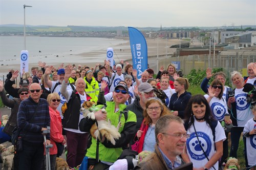 Crowds ready to begin the walk at Edinburgh Dog and Cat Home - Photograph by Ben Coulson